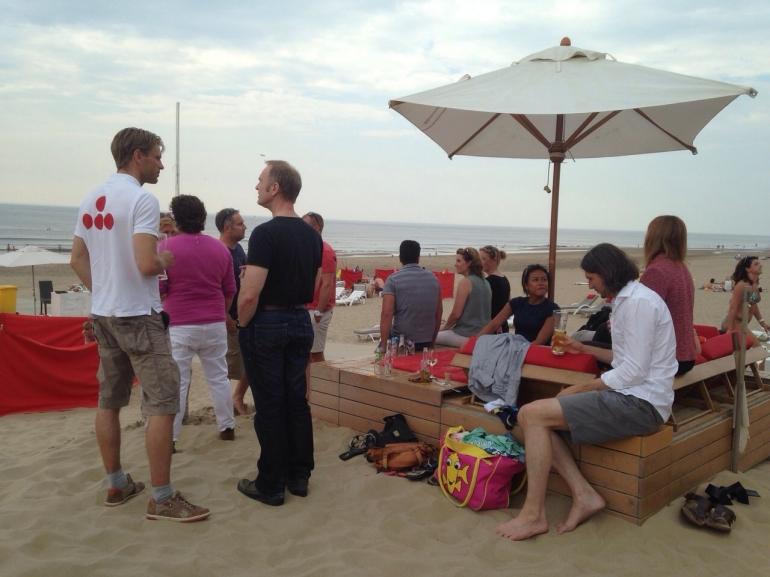 Content-strandborrel